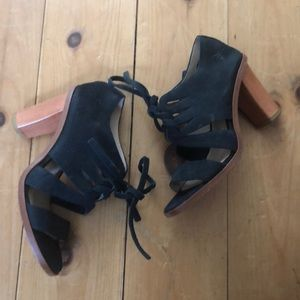 Frye Sofia Tie On Sandal